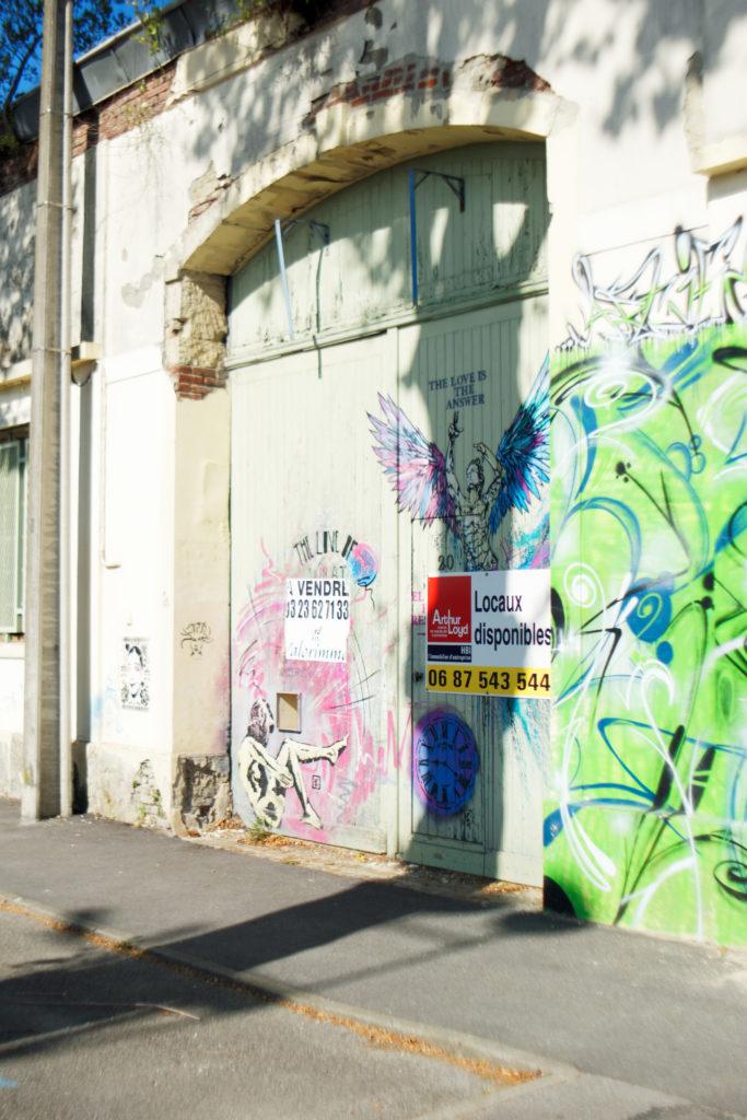 love-is-the-answer-festival-street-art-de-saint-quentin-place-de-la-liberte-ceci-n-est-pas-un-tag