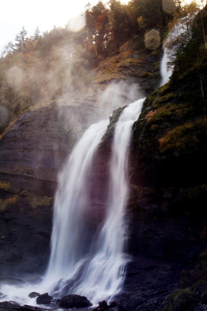 cascade-du-rouget-pose-longue-octobre-2019-samoens-decouverte-promenade-vue