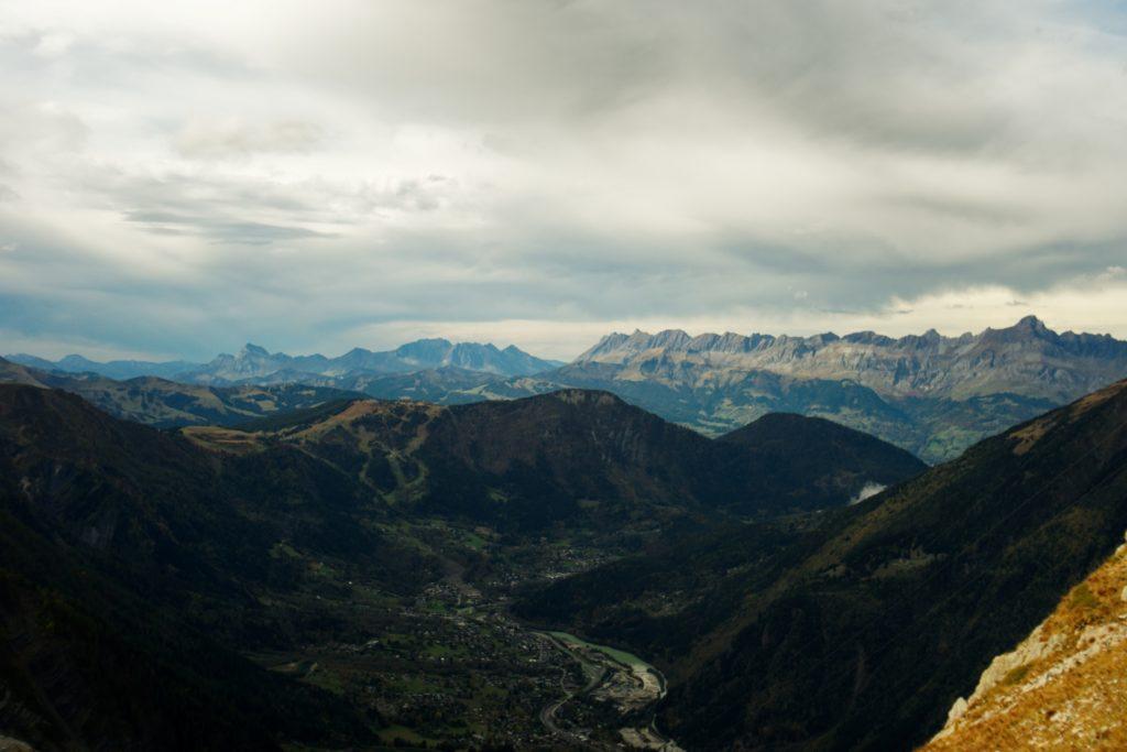 depuis-l-aiguille-du-midi-panorama-sur-les-alpes