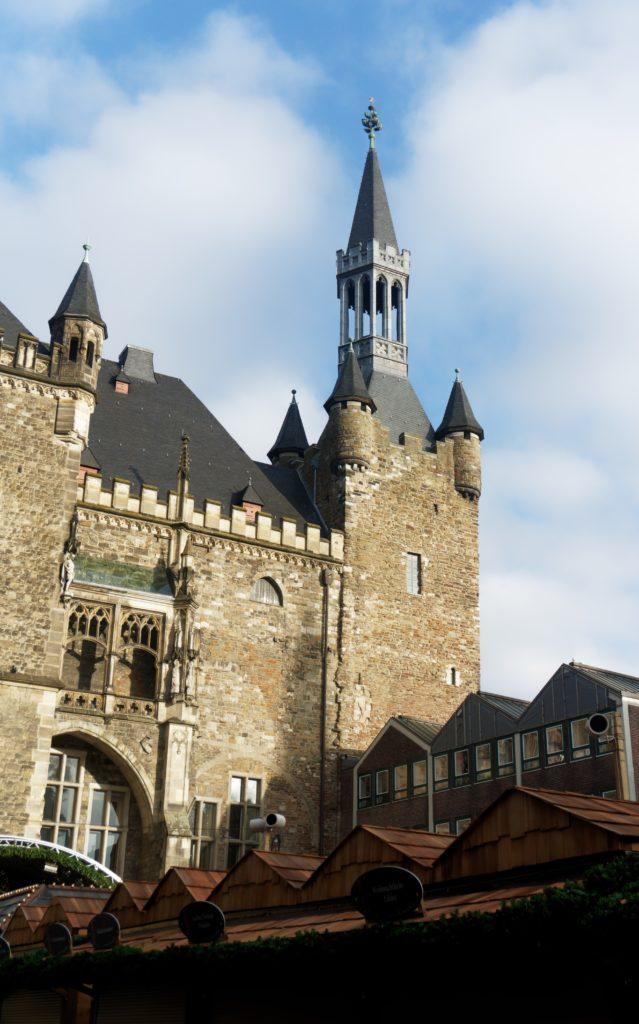 hotel-de-ville-aix-la-chapelle-lumiere-soleil-belle-vue-alexandre-bridenne