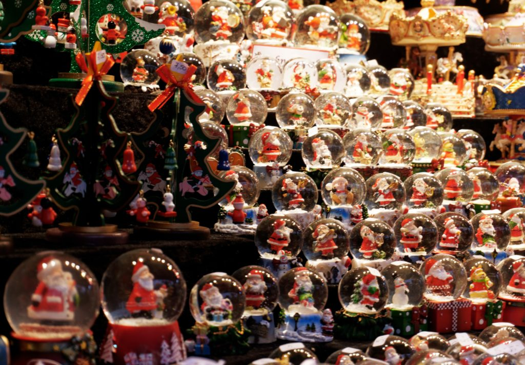 boule-de-neiges-decorations-aix-la-chapelle-aachen-noel-2019