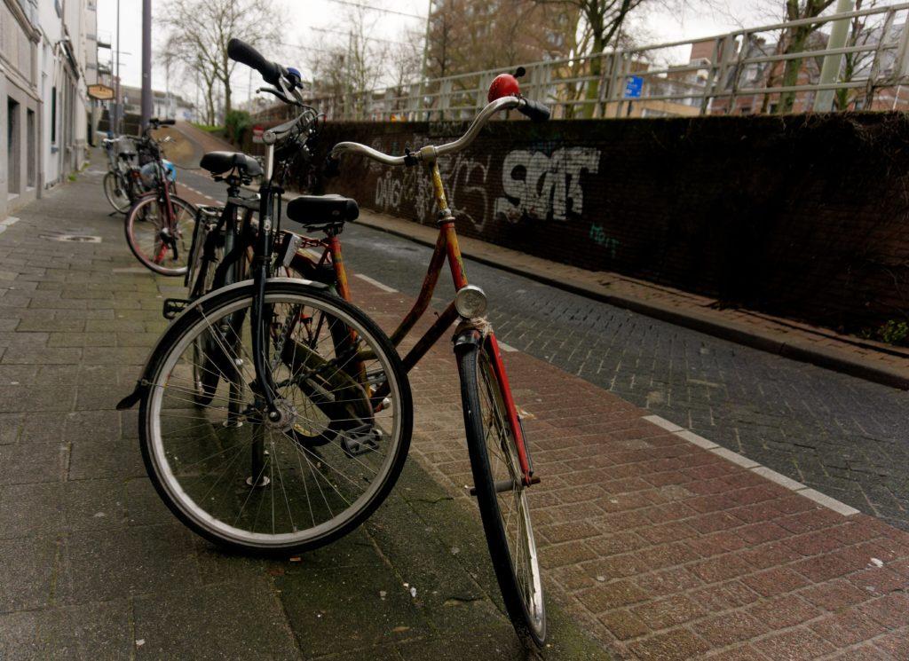 velo-de-rotterdam-hollande-typique-pays-bas