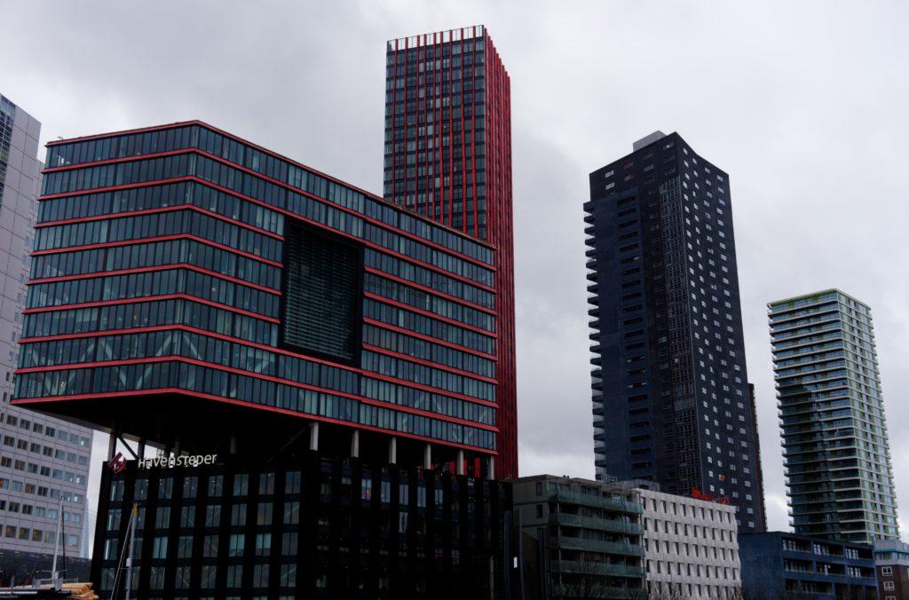 gratte-ciel-et-architecture-speciale-et-moderne-de-rotterdam