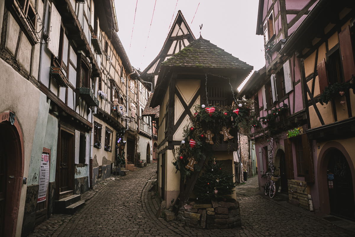 maison-colombage-eguisheim-typique-alsace-rue-du-rempart-sud