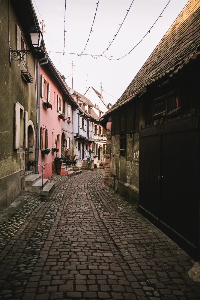 rue-village-d-alsace-route-des-vins