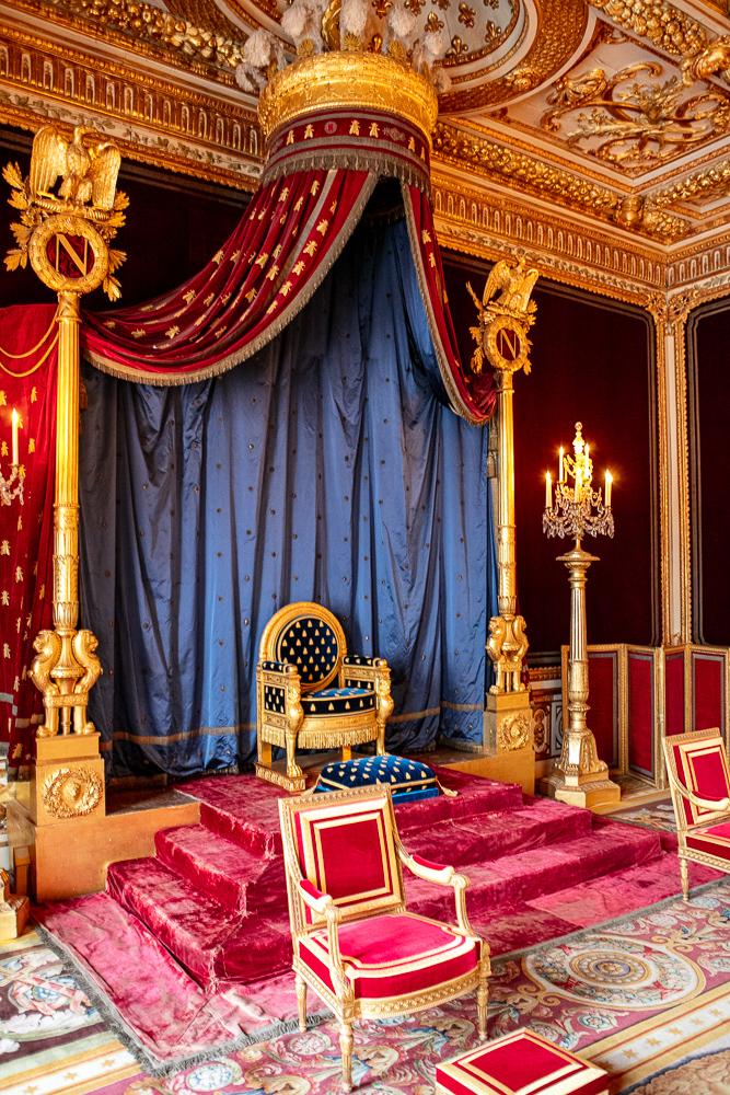 trone-de-napoleon-roi-de-france-chateau-de-fontainebleau