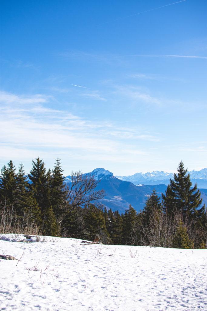 vue-sur-le-massif-du-vercors-raquette-atlas-for-men