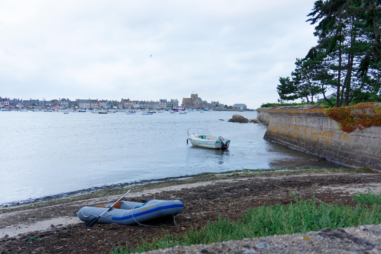 en-direction-du-phare-de-gatteville-petite-pause-pour-admirer-les-paysages-presque-irlandais-de-la-manche