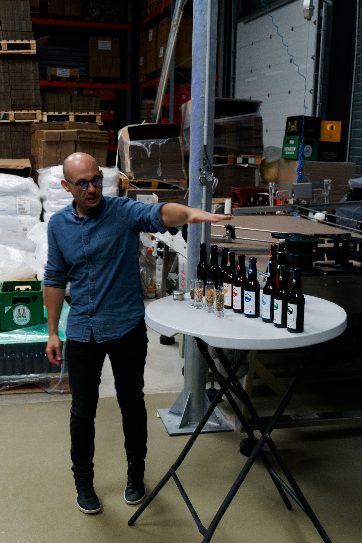 emmanuel-duca-responsable-de-la-communication-brasserie-au-coeur-du-malt-nous-presente-la-gamme-des-bieres-gustave