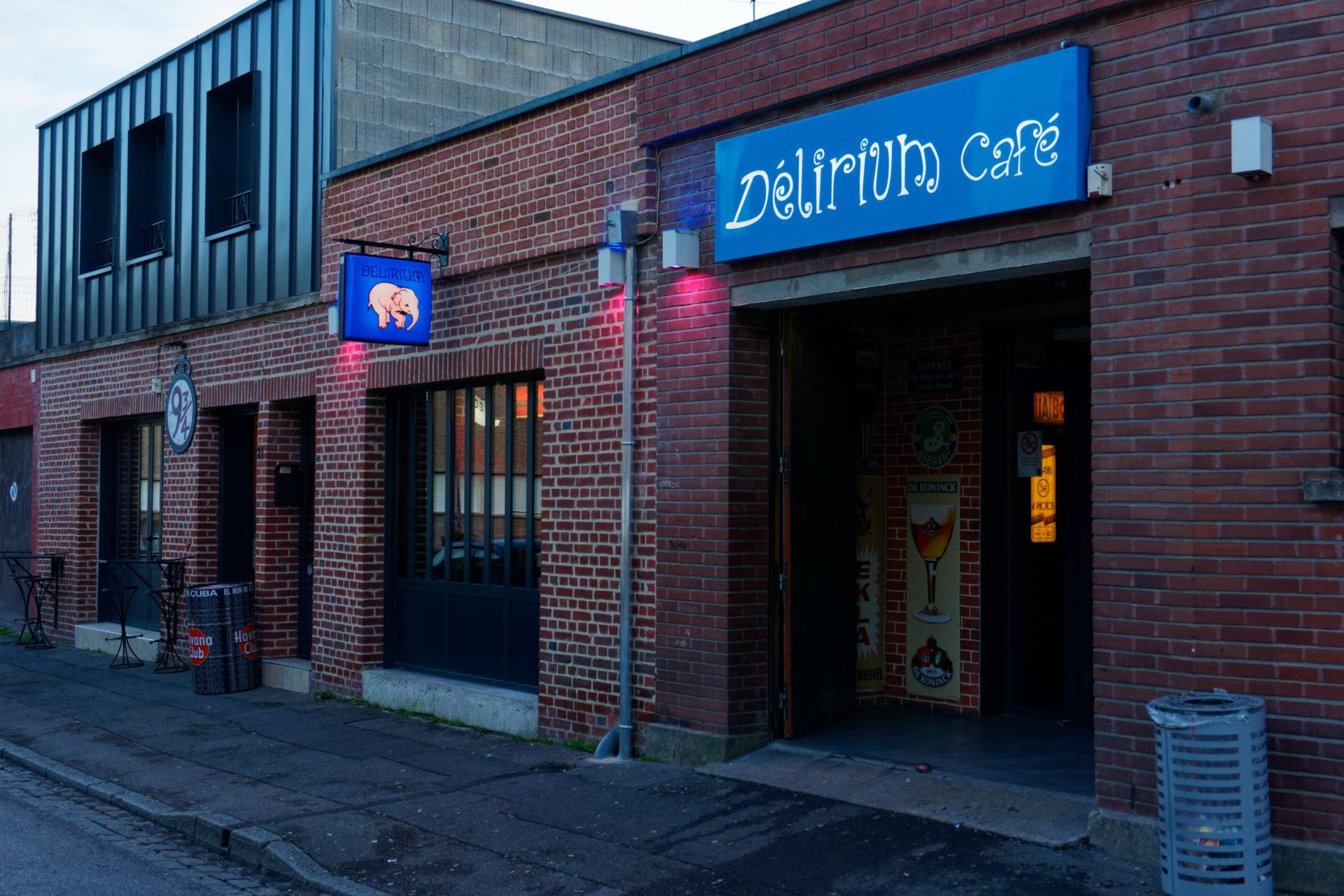 Façade Délirium Café