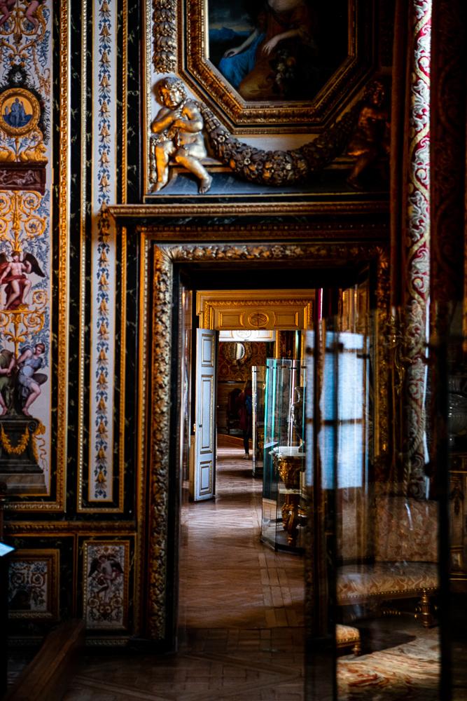a-travers-les-chambres-d-apparat-visite-du-chateau